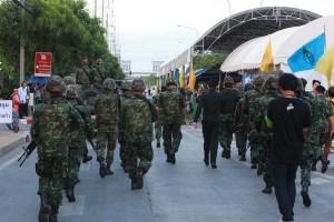 Soldaten stellen die öffentliche Ordnung wieder her, hier bei einer Demonstration der Regierungsgegner